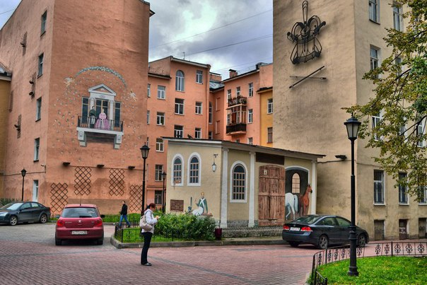 Имена Петербурга – язык города в названиях улиц Семенцов